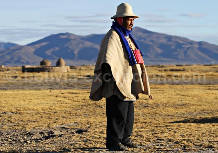 Rencontre uru-chipayas au bord du salar Coipasa