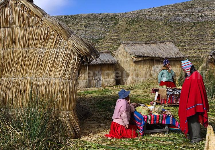 Iles flottantes, lac Titicaca, Bolivie
