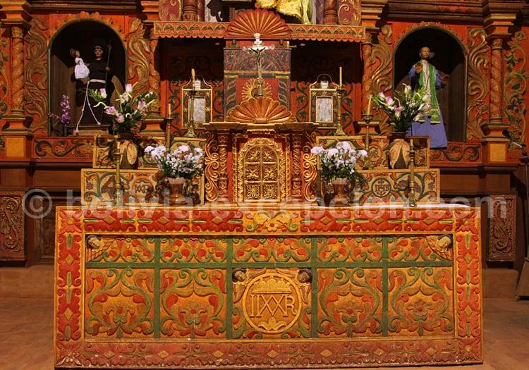 Visite de l'église de San Ignacio de Velasco