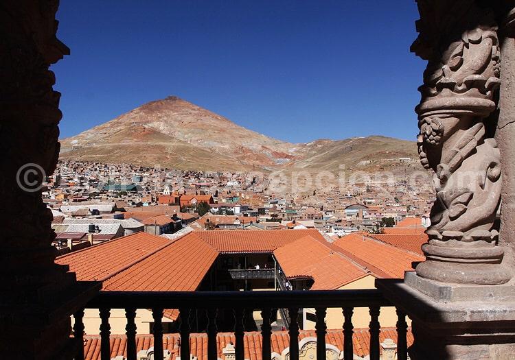 Cerro Rico depuis la tour de la Companie de Jesus