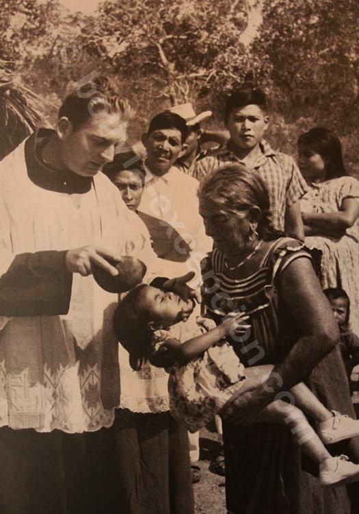 Baptême célébré par Monseigneur Antonio Eduardo Bösl