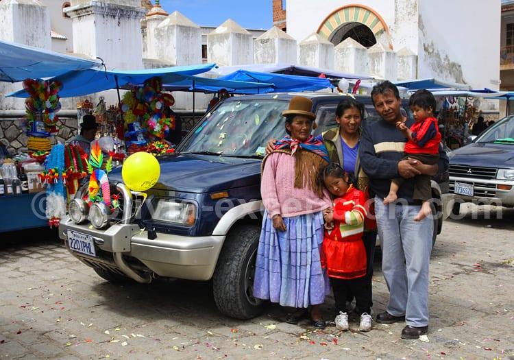 Ch'alla, le baptême des voitures à Copacabana