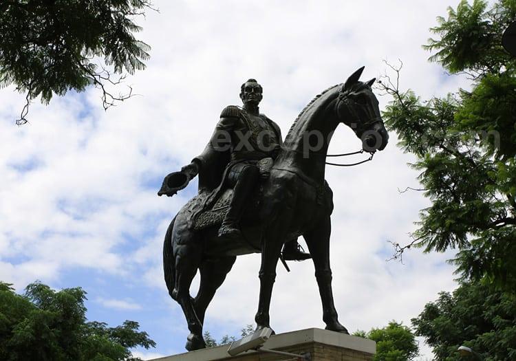 Simon Bolivar, statue à Tarija
