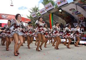 Manifestation de caporales, danse du Pérou et de Bolivie