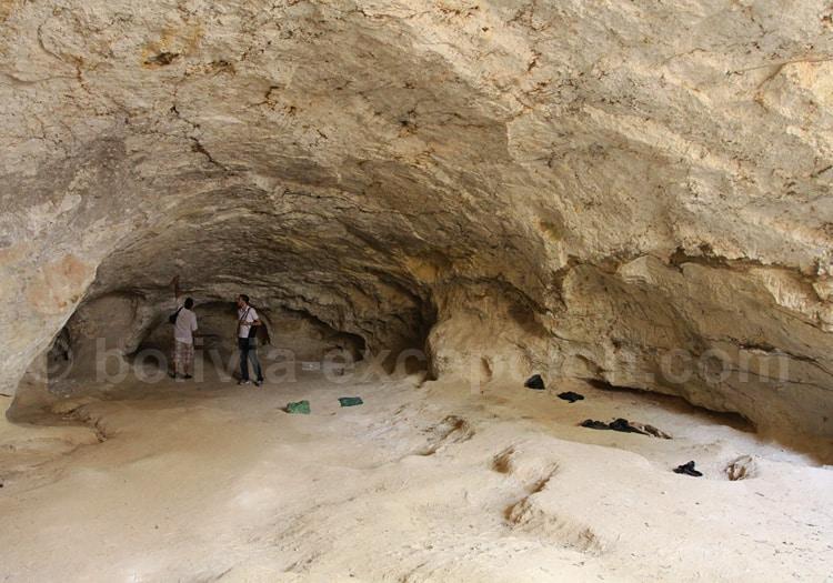 Cueva del Yeso, extraction de chaux, gypse et kaolin, pour la construction de San Ignacio de Velasco