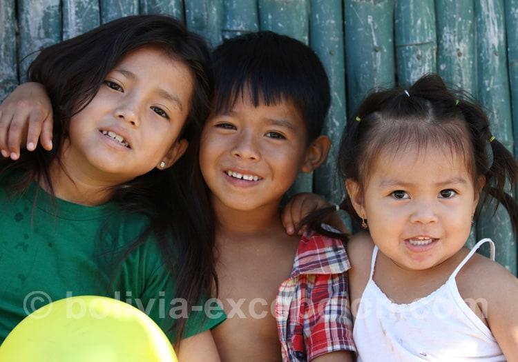 Enfants tacanas en Amazonie bolivienne
