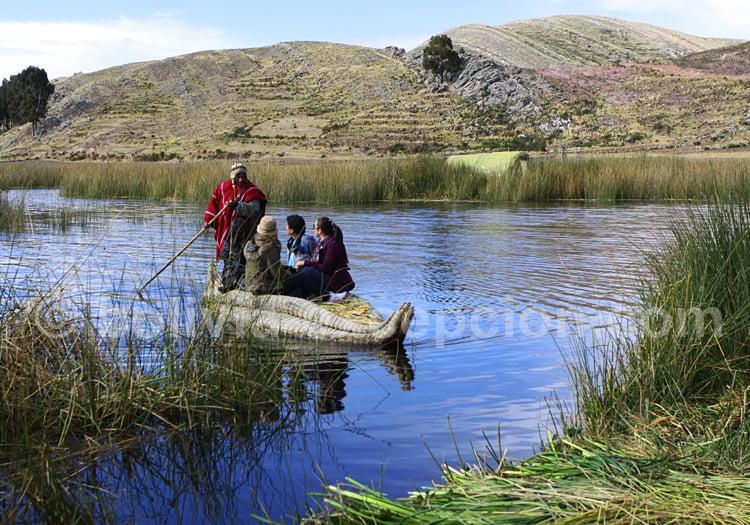 Îles flottantes du lac Titicaca