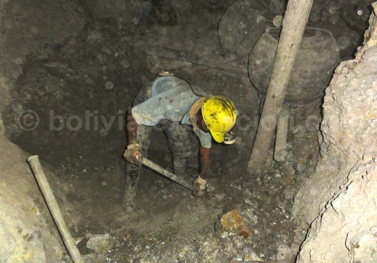 Au fond de la mine à Potosi