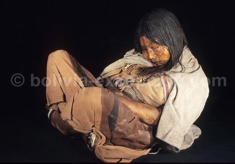 Momie de Llullaillaco, musée Maam, Salta, Argentine