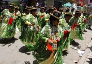 Danse aymara représentant les esclaves noirs et le Caporal