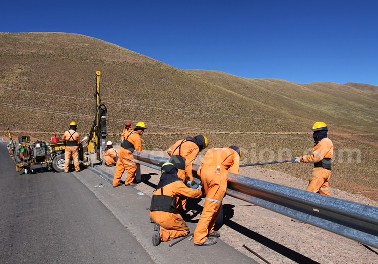 Goudronnage des routes en Bolivie