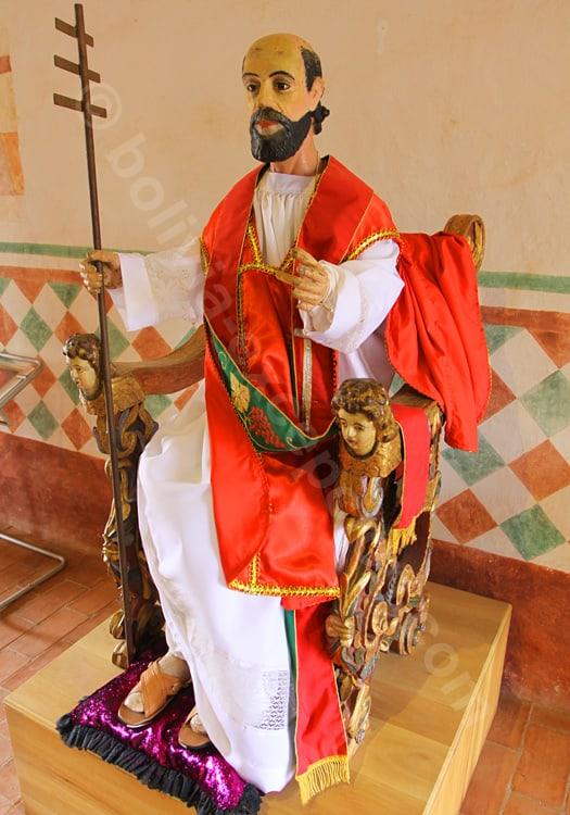 Statue représentant un évêque, San Javier de Chiquitos