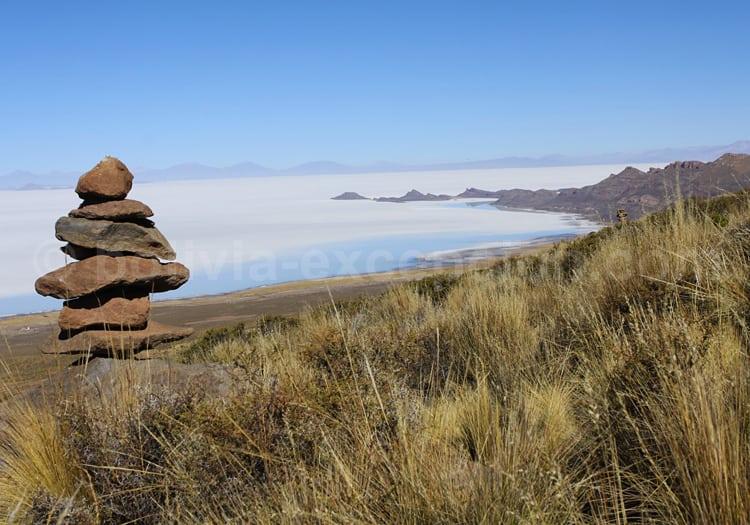 Panorama sur le salar d'Uyuni depuis le volcan Tunupa