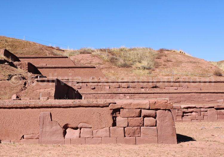 Temple Akapana, Tiwanaku