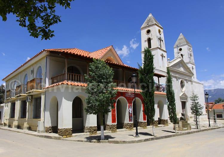 Eglise et municiplité d'Uriondo, vallée de La Concepcion