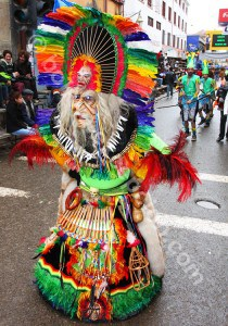 Masque tobas à Oruro