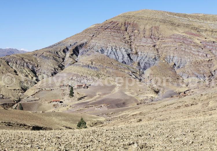 Couches géologiques, cratère de Maragua