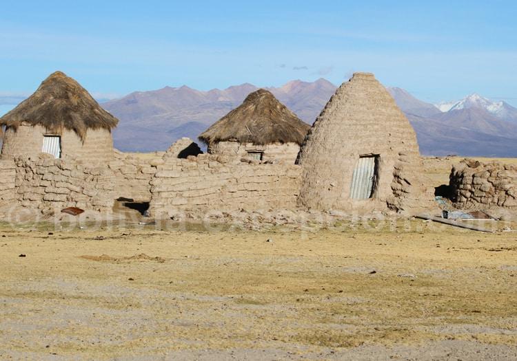 Case d'un village Chipaya