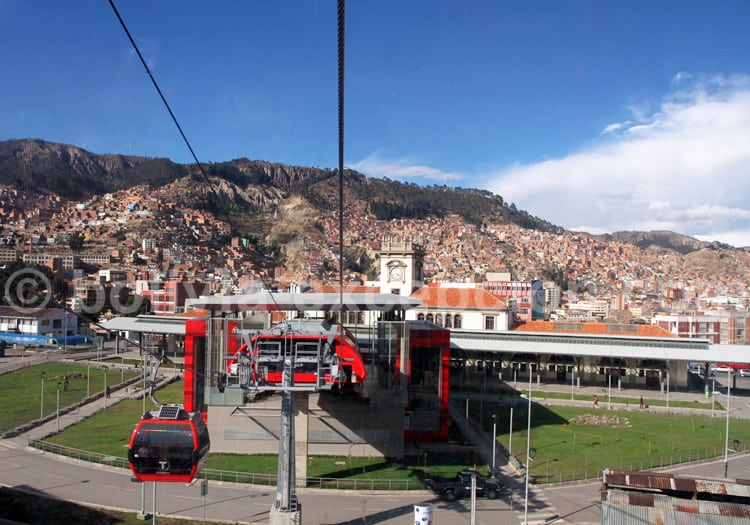 Ligne rouge, télécabines de La Paz