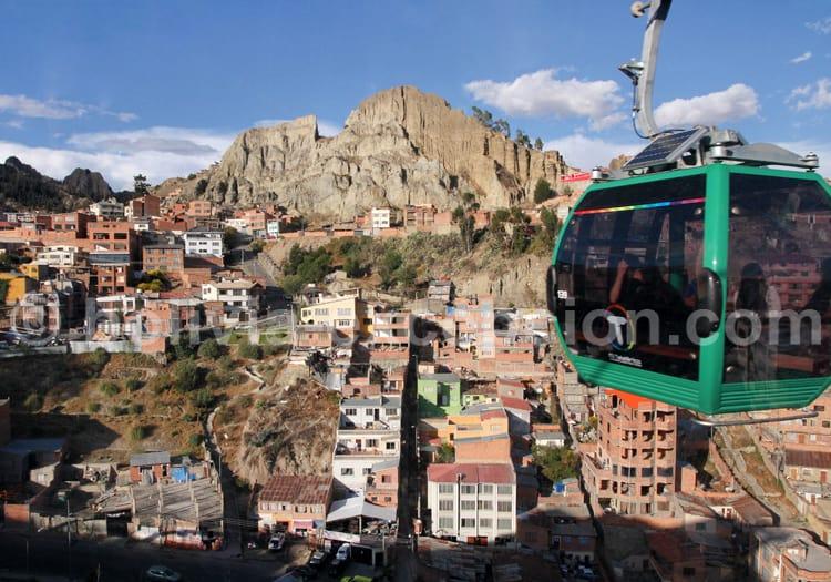 Ligne de télécabines vertes à La Paz