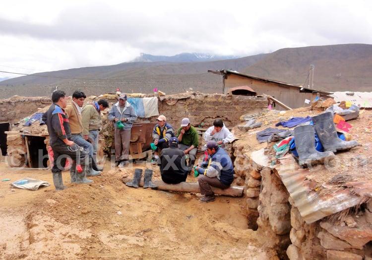 Mineurs au repos, Potosi, Bolivie