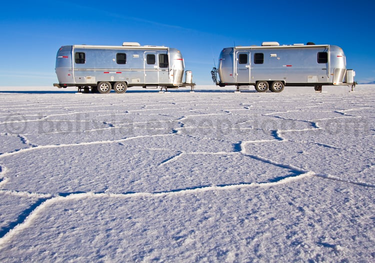 Camping-car sur le Salar d'Uyuni