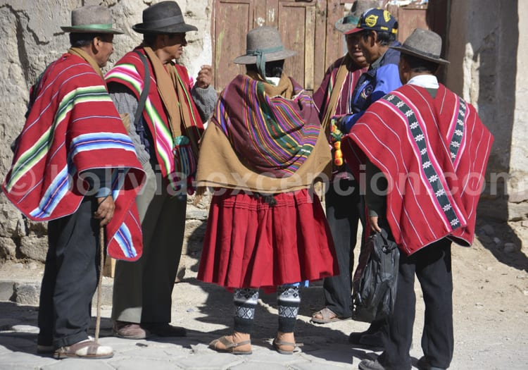 Tenues traditionnelles boliviennes