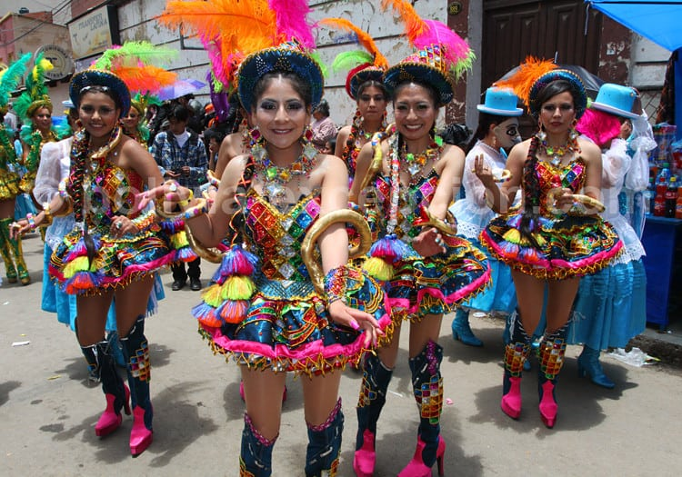 Danseuses au carnaval d'Oruro