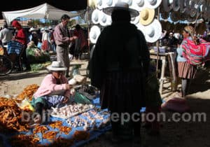 Ombres et lumières au marché de Cliza