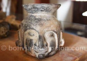 Vase de la culture tiwanaku