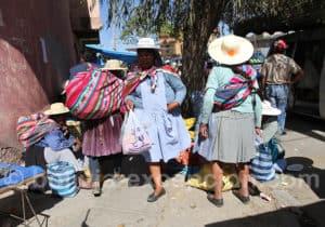 Tenues traditionnelles de la région de Cochabamba