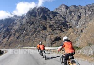 La Cumbre, descente vers Coroico