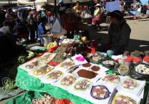 Stand d'offrandes à la Pachamama