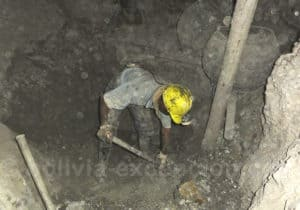 Ouvrier mineur à l'ouvrage, mine de Potosi