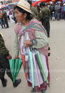 Marchande d'ombrelles à Oruro