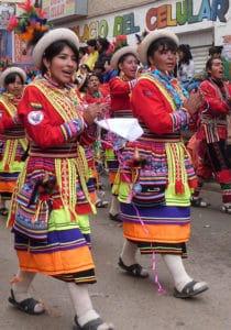 Danseuses de wititis à Oruro
