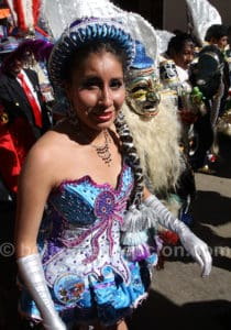 Scène de rue au carnaval