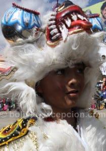 Jeune homme d'une troupe diablada à Oruro