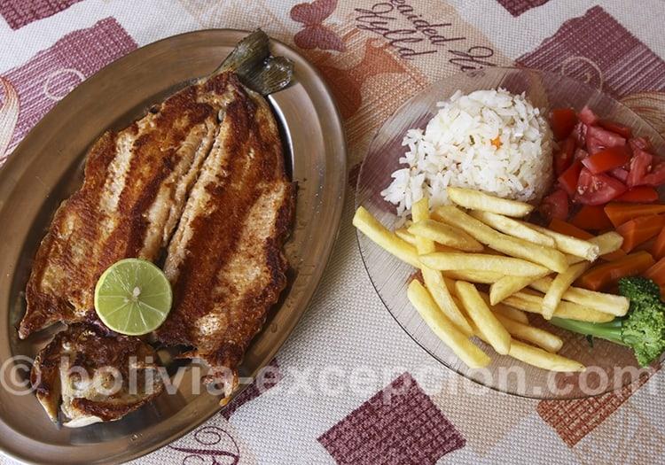 Plat de poisson typique de Bolivie