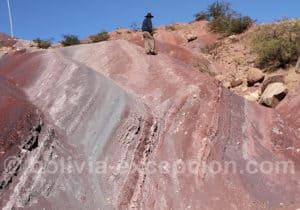 Formations colorées sur la route de Torotoro