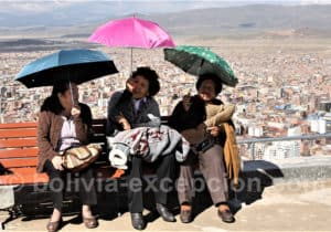 Promenade au pied de la Vierge d'Oruro