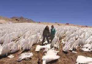 Pénitents de neige sur la route des Joyaux