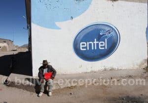 Attente du bus à Sabaya, Oruro