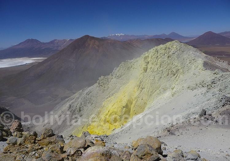 Volcan Irruputuncu.