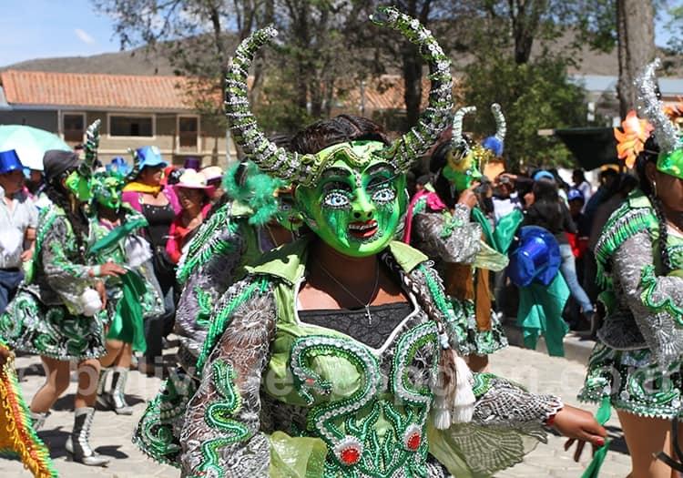Mars fête de Pujllay à Tarabuco