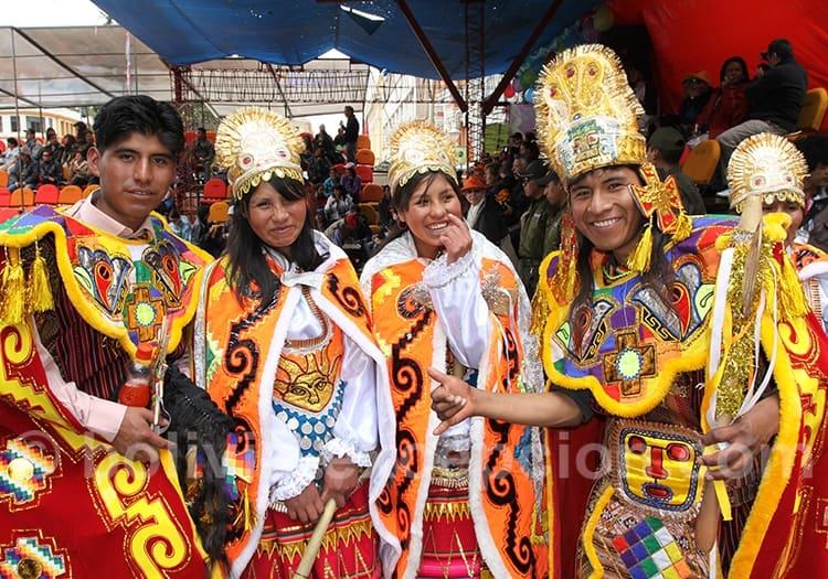 Pause photos au carnaval d'Oruro