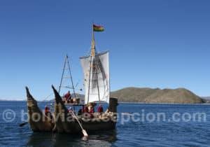 Bateau traditionnel en totora, la Titicaca