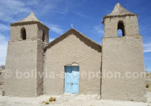 Chapelle sur la route de la cordillère de Sama